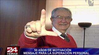 Víctor Vich cumple 50 años de trayectoria llevando mensaje de superación