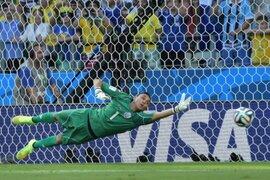 Keylor Navas le negó el grito de gol a Juan Vargas con impresionante atajada