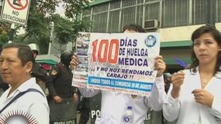 Médicos llevan más de 100 días de huelga, pero cobran puntualmente su sueldo