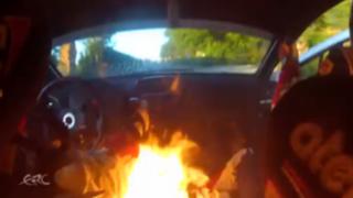 VIDEO: pilotos de rally logran escapar a tiempo de su auto en llamas