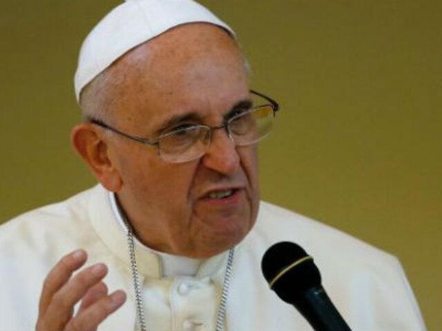 """Seúl: papa Francisco critica """"hipocresía"""" de religiosos """"que viven como ricos"""""""