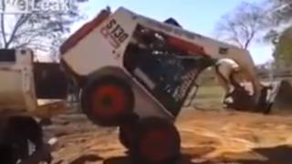 VIDEO: operador de mini-excavadora realiza súper maniobra en tiempo récord