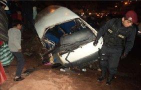 Despiste de minivan deja 12 heridos en carretera de Puno
