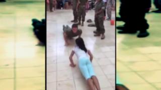 VIDEO: niña le gana en flexiones a cadete del ejército estadounidense