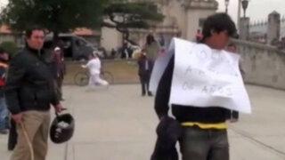 Cajamarca: hombre acusado de abusar de su hija es castigado a latigazos