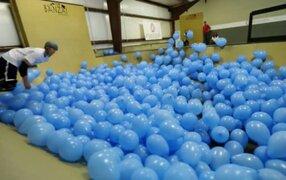 Deportistas realizaron trucos en un Skate Park con 5000 globos inflados