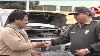 Policía recupera autos robados y detiene a dos delincuentes