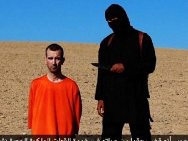 Dos terroristas piden perdón a hija de víctima tras inhumana decapitación