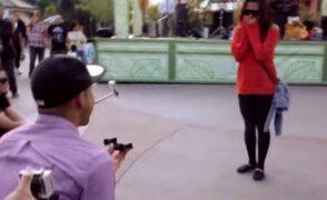 VIDEO: joven sorprende a su novia con original propuesta de matrimonio en flashmob