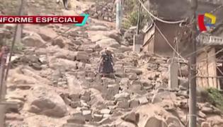 Al borde del peligro: pobladores exigen escaleras al municipio de Lima
