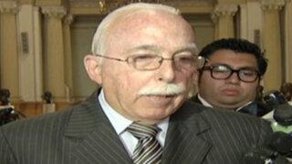 Carlos Tubino explica proyecto de ley que permite a empleadores revisar correos