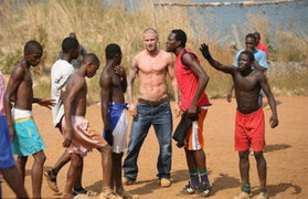 Futbolista David Beckham se unió a campaña contra el ébola