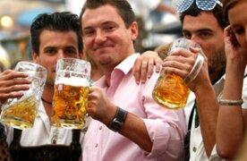 Estudio revela que tomar cerveza ayuda a la fertilización en los hombres