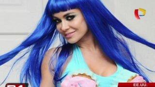 Carmen Electra sorprende con atuendo al estilo de Katy Perry