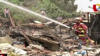 SJM: incendio consume vivienda donde almacenaban material de reciclaje