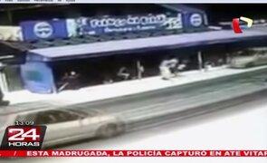 Impactante: cámaras de seguridad captan el atropello a pareja de esposos