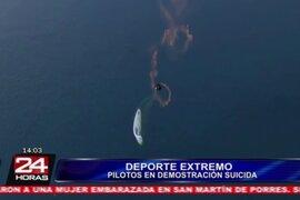 VIDEO: dos pilotos realizan arriesgadas maniobras a varios metros de altura