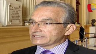Alejandro Aguinaga denuncia acoso del Gobierno al igual que Bruce