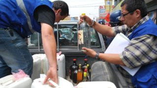 Incautan mil 400 botellas de licores adulterados en Trujillo