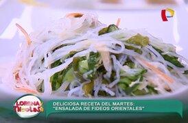 Aprende a comer una deliciosa 'Ensalada de fideos orientales'
