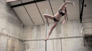 VIDEO: bailarina cautiva las redes con espectacular habilidad para el 'pole dance'