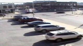 VIDEO: mujer derriba un edificio con su auto al escapar de la policía