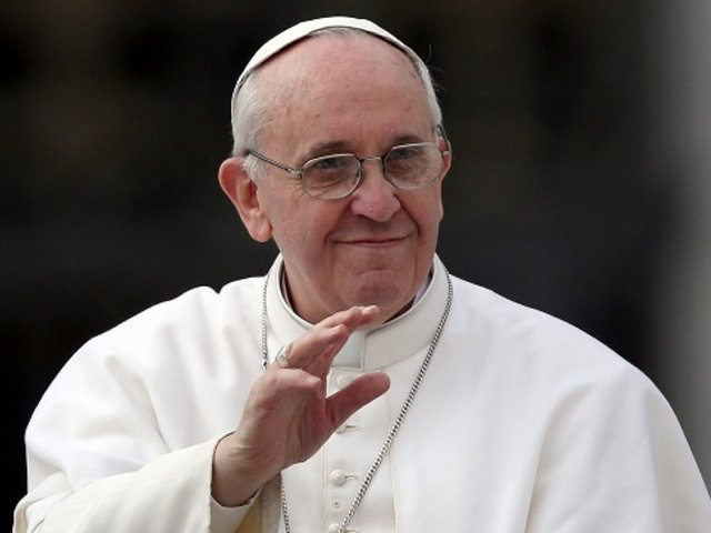 Papa Francisco sorteará regalos que ha recibido durante su papado