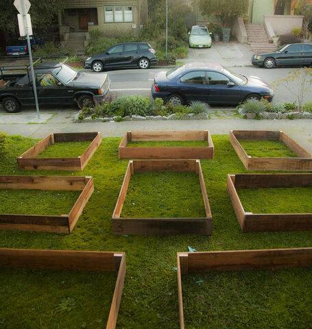 Estas cajas intrigaron a todo un vecindario; mira en lo que se convirtieron