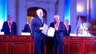 JNE: Luis Castañeda Lossio recibe credencial como alcalde electo de Lima