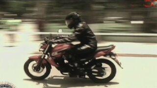 ¡Súbete a mi moto!: Víctor Hugo Dávila se transforma en un Menudo