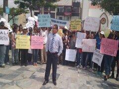 Áncash: pobladores protestaron en Plaza de Armas en apoyo a Yeni Vilcatoma