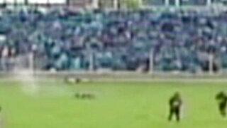 Impactantes imágenes: futbolista sobrevive tras caerle un rayo en Huancayo