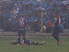 VIDEO: Joao Contreras y el momento en que es alcanzado por un rayo en la Copa Perú