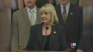 Arizona: Gobernadora rechazó otorgar licencias de manejo a indocumentados