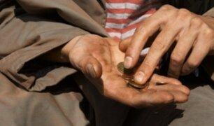 VIDEO: Falsos mendigos que engañan a las personas y piden limosna