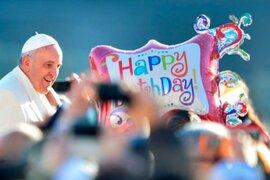 Papa Francisco celebró cumpleaños con baile de tango de miles de fieles