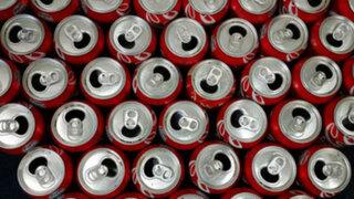 FOTOS: ¿qué le pasa a alguien que toma 10 latas de Coca Cola diarias por un mes?