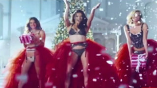 Angelitas de Victoria´s Secret en sensual video por Navidad