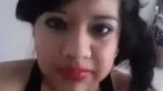 """YouTube: ella llora porque quiere un novio """"como esos de La Rosa de Guadalupe"""""""