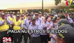Inspectores municipales protestaron contra Villarán por sueldos atrasados