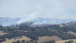 Australia: evacuan a miles de personas por incendios forestales en el sur del país