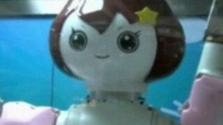 China: robot que vende helados es la sensación en centro comercial