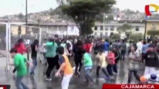 Cajamarca: plaza de armas queda llena de desperdicios tras convocatoria a carnaval