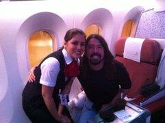 Vocalista de Foo Fighters recibió su cumpleaños en Lima