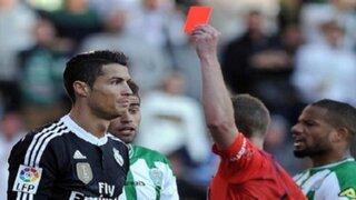 Cristiano Ronaldo fue expulsado tras cobarde agresión a un rival