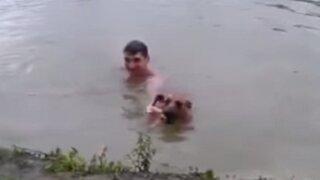 YouTube: perro se lanzó al río para rescatar a su dueño que simulaba ahogarse