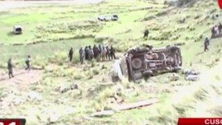 Cusco: caída de combi a abismo deja 8 muertos y más de 15 heridos