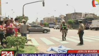 Jesús María: anciana muere atropellada por custer que se pasó semáforo en rojo