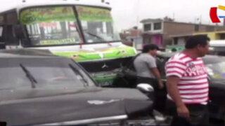 Choques en cadena: accidentes múltiples en Trujillo y Arequipa