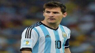 Lionel Messi presenta la nueva camiseta de Argentina para la Copa América 2015